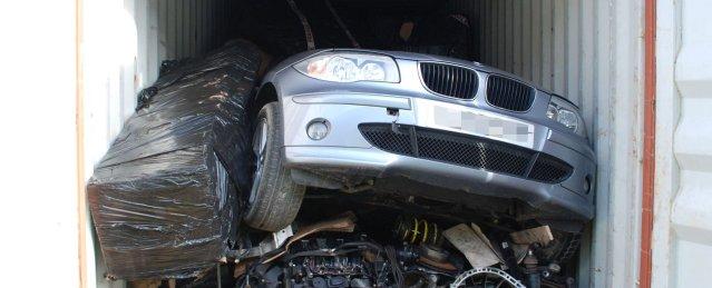 Keyless vehicle theft operation