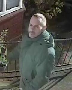 Suspected robber. Image: Met Police