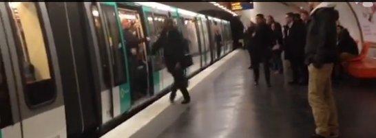 Youtube footage of Paris Metro incident