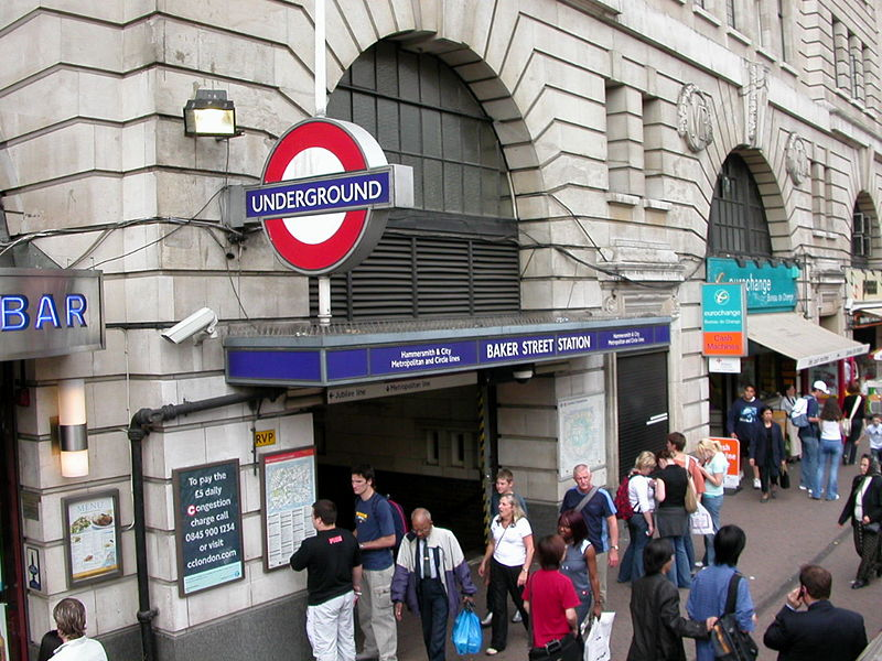 London Underground Investigation Into Why 3 Year Old Fell