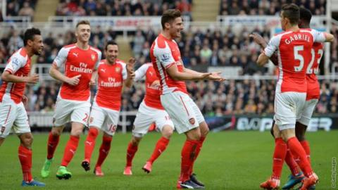 Olivier Giroud scores two goals at St James's to win 2-1. Image: @Arsenal Official FC