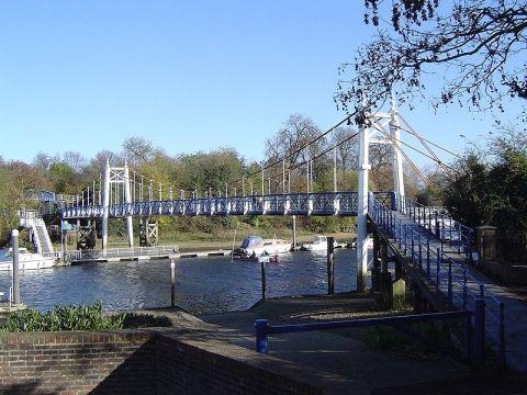 Teddington Loch footbridge which links Teddington and Ham. Image: Wikipedia