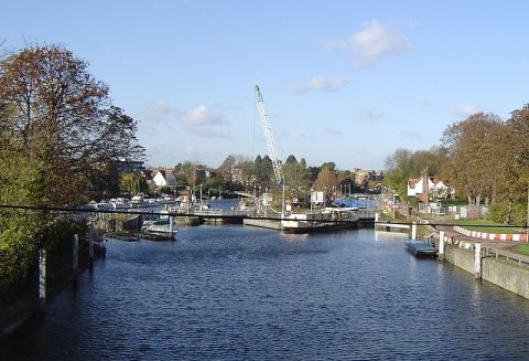 Teddington Lock where the assault took place. Image: Wikipedia
