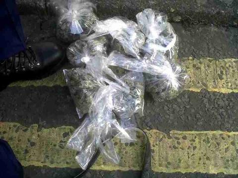 Drugs seized in dawn raids in Lambeth
