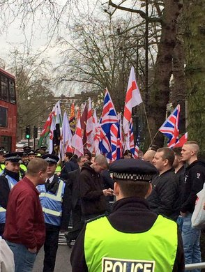 Far Right protest outside London Central Mosque. Image: @AfroArabian