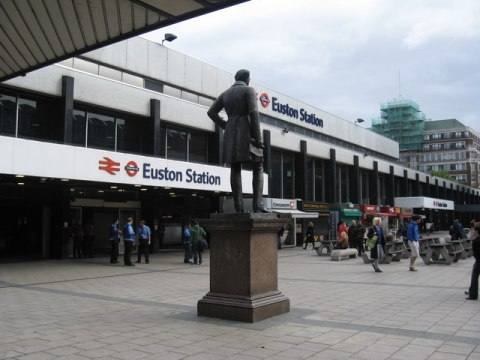 """Euston Station London - geograph.org.uk - 1309275"" by Richard Rogerson. Licensed under CC BY-SA 2.0 via Wikimedia Commons"