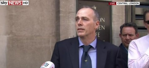 DCI Paul Johnson of the Flying Squad giving a live press conference outside the scene of the Hatton Garden heist. Image: Sky News. Click through for report.