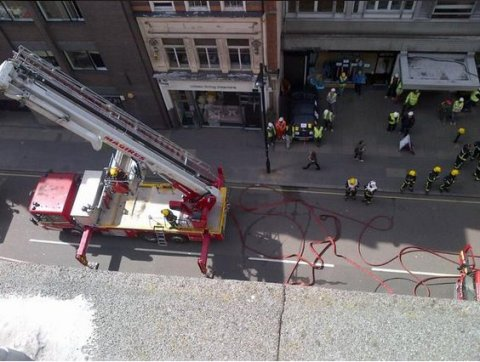 London Fire Brigade successfully tackle blaze on roof of building in Great Portland Street. Image@LondonFire
