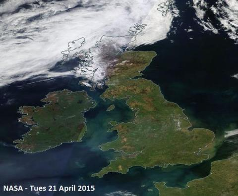 Britain's stunning weather Tuesday 22nd April. Image:@NASA