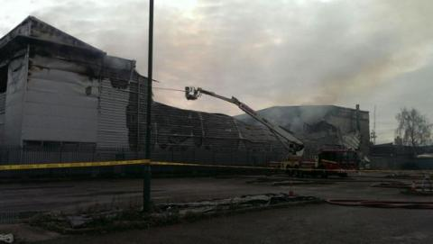 Park Royal Industrial Unit fire under control. Image: @LFB