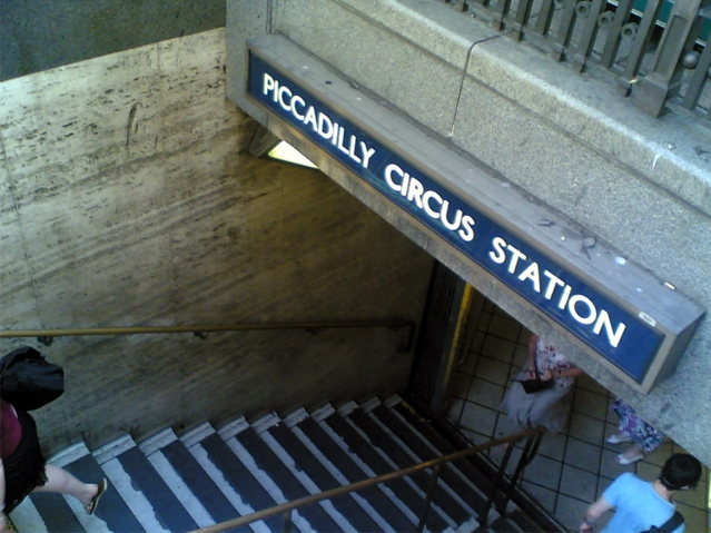 Piccadilly Circus station was closed for around an hour today due to a fire alert. Pic: Original uploader was McDRye at en.wikipedia - Licensed under Public Domain via Wikimedia Commons