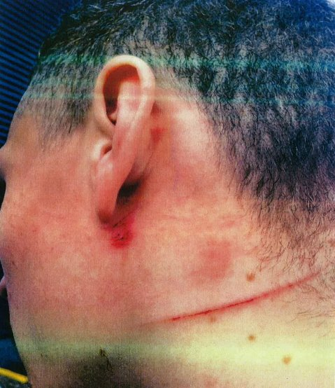 Victim slashed on the neck for challenging insulting and abusive behaviour in front of mothers and children. Image: Met Police