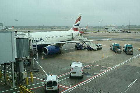 """British Airways G-EUPN at Gatwick Airport - Morten Amundsen"" by Morten Amundsen from Gatteo A Mare, Italy - Gatwick Airport. Licensed under CC BY 2.0 via Wikimedia Commons."