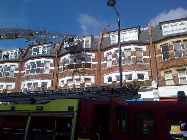 Aerial ladder used in combating third floor flat fire in Finchley. Image: @LondonFire