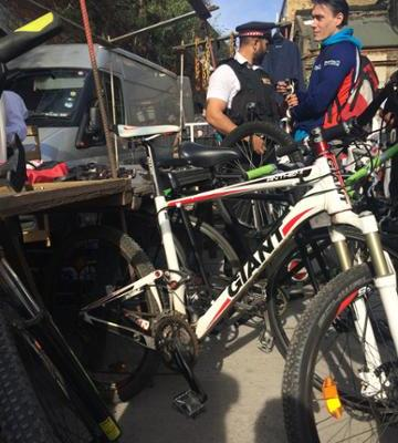 Police arrested 7 men for trading stolen bikes. Image: City of London Police