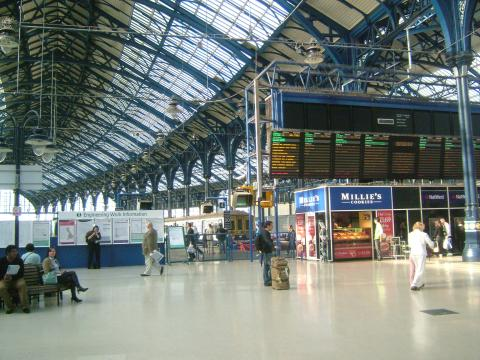 """""""BrightonStation4682"""" by Clem Rutter, Rochester Kent - Own work. Licensed under CC BY-SA 3.0 via Wikimedia Commons - http://commons.wikimedia.org/wiki/File:BrightonStation4682.JPG#/media/File:BrightonStation4682.JPG"""