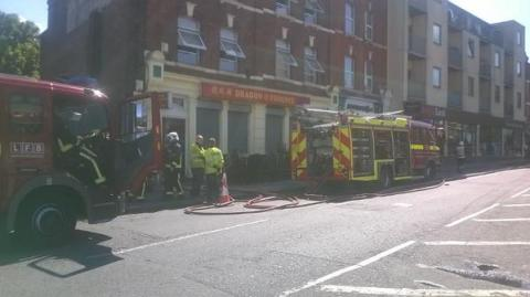Restaurant fire in Charlton. 8 LFB fire appliances attended. Image: @LondonFire
