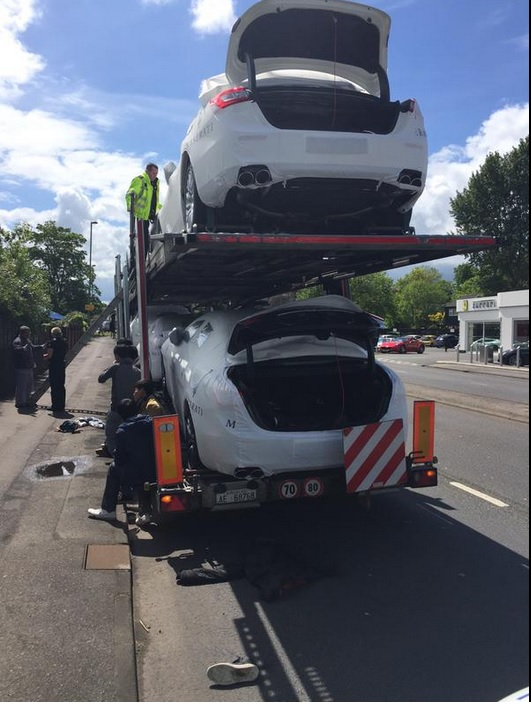 Suspected illegal immigrants entered UK hidden in boots of Maseratis. Image: @SurreyRoadCops