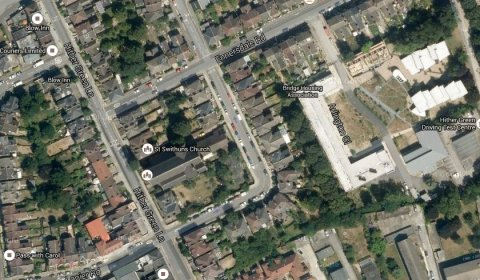St Swithun's Road, Lee, SE13- scene of stabbing and disorder Saturday night 30th May 2015. Image: Google Satellite.