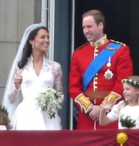 """William and Kate wedding"" by The_royal_family_on_the_balcony.jpg: Magnus Dderivative work: Blofeld Dr. (talk / cont) - The_royal_family_on_the_balcony.jpg. Licensed under CC BY 2.0 via Wikimedia Commons"