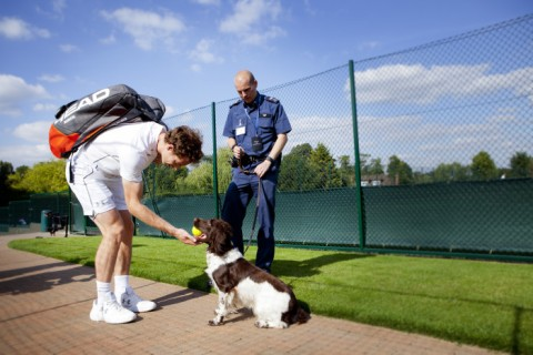 Andy Murray with Ike. Image: WWF