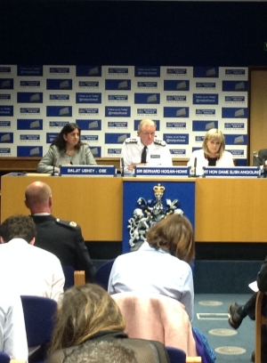 Dame Elish Angiolini, Commissioner Sir Bernard Hogan-Howe and Chief Crown Prosecutor for CPS London Baljit Ubhey at the press conference (2 June). Image: Met Police