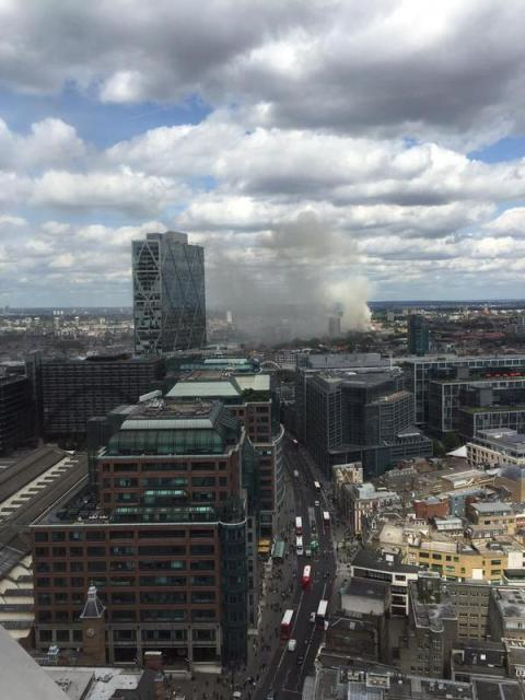 Plumes of smoke seen from miles around. Image: @LondonFire