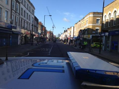 Crime scene cordoned off  at Kingsland Road Hackney. Image: @MPSHackney