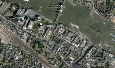 Murder inquiry after man dies after being critically injured in Queen Elizabeth Street near Tower Bridge. Image: Google Satellite.