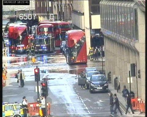 Flooding in Westminster due to burst water main. Image: TfLTrafficnews