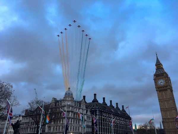 Red Arrows over London for visit of Indian Prime Minister. Image: @rafredarrows