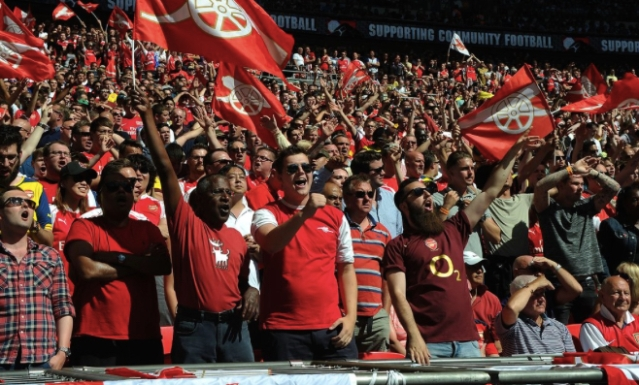 Arsenal FC supporters watch their team secure second spot in Premiership ahead of rivals Spurs. Image:@Arsenal