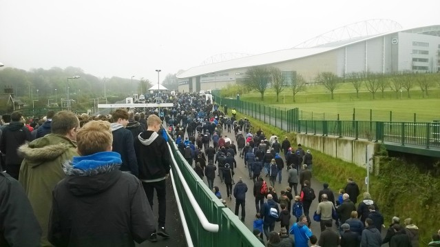 fans stride