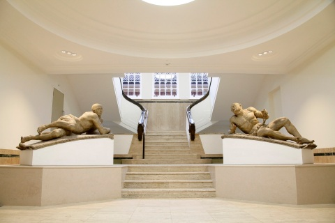 Bethlem Gallery and Museum with statues 'Raving and Melancholy Madness' by Caius Gabriel Cibber c.1676