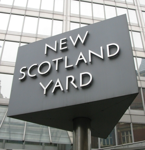 Detectives have been given extra time to question teenagers arrested on suspicion of fleeing Britain to join ISIS. Source: Man vyi, Wikipedia