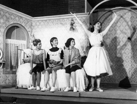 Elizabeth Taylor, Carmen Guitterez, Marilyn Cooper and Carol Lawrence from the original broadway cast sing 'I Feel Pretty'. Image by Fred Fehl.